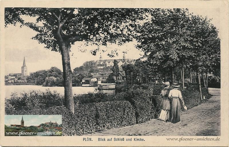 Blick auf Schloss und Kirche