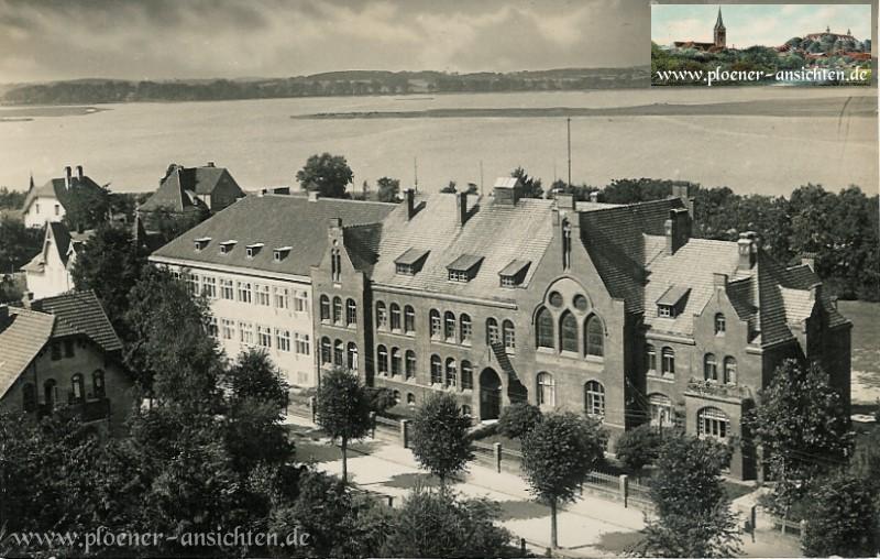 Plöner Gymnasium mit Anbau