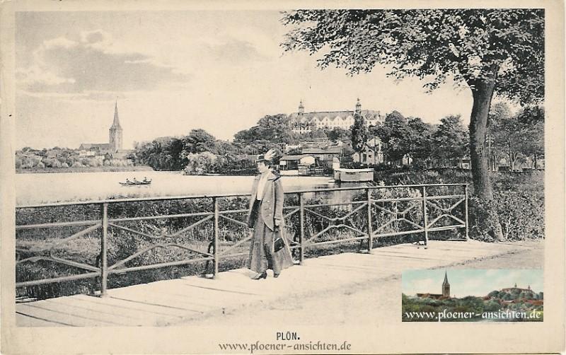 Plön - Promenade mit Spaziergängerin